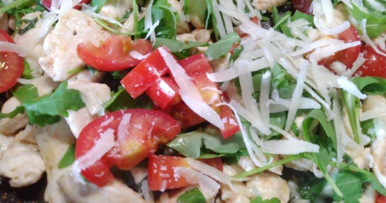 straccetti di pollo con pomodorini e rucola