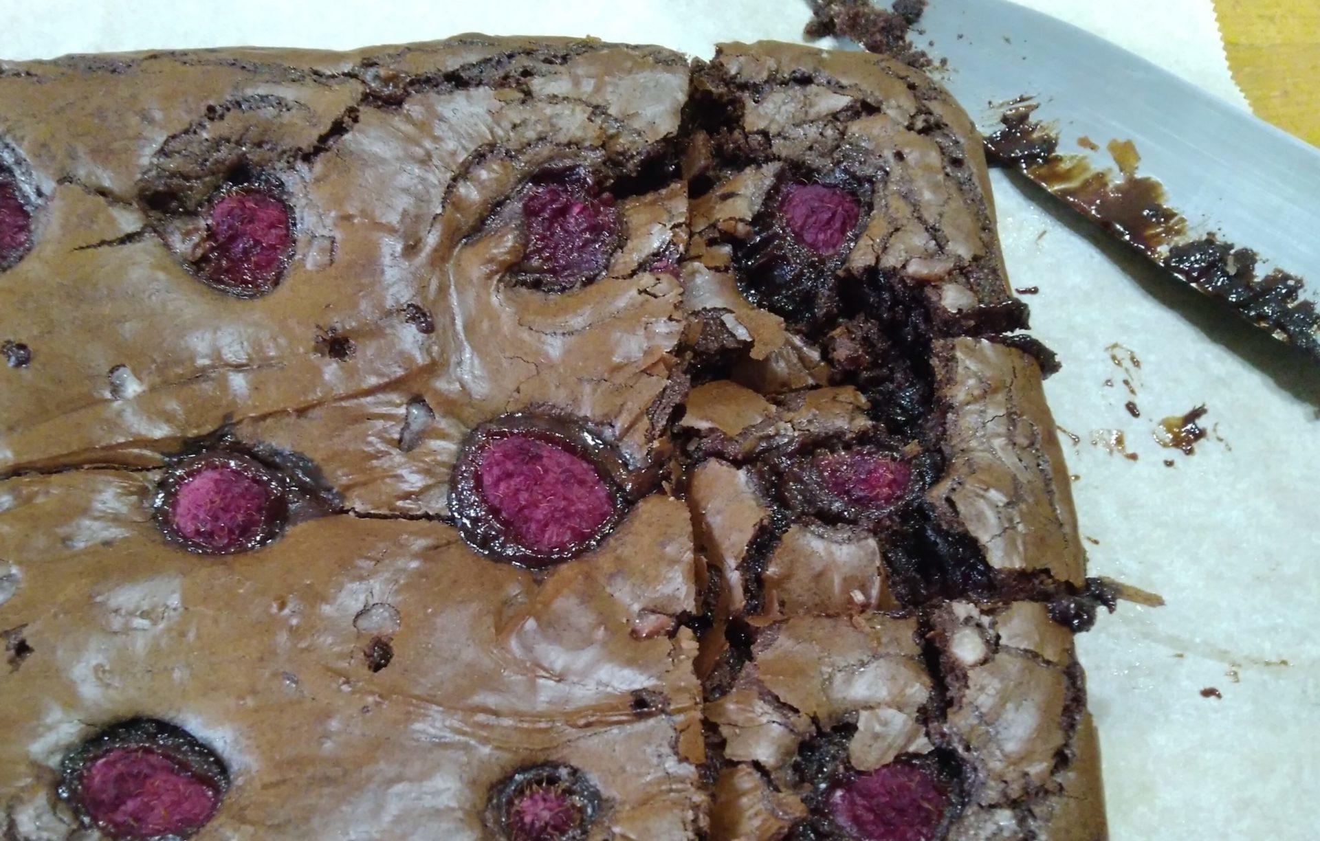 brownies cioccolato fondente e lamponi