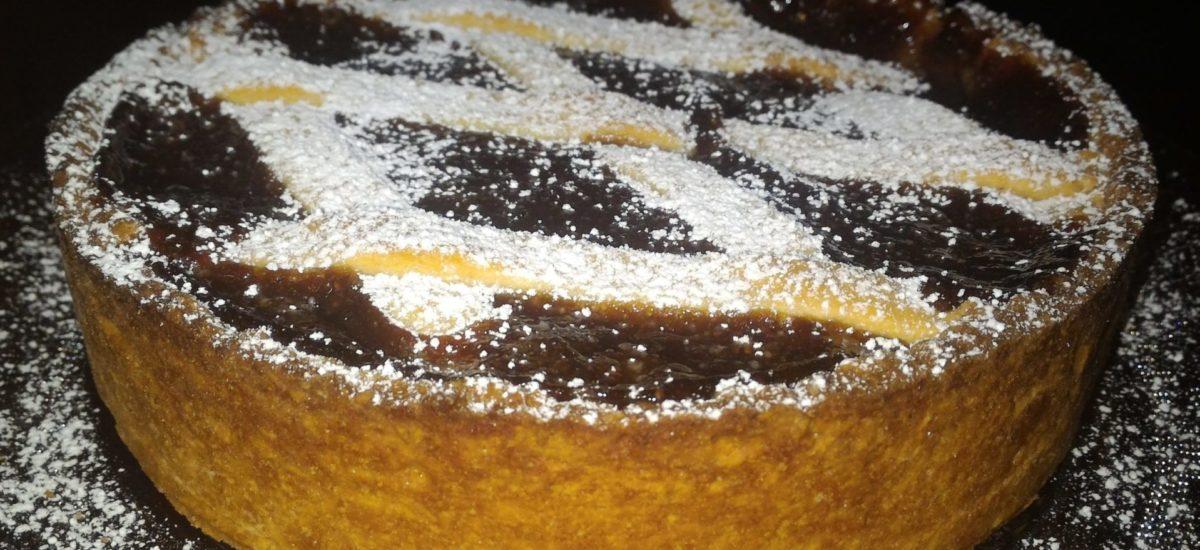 crostata con ricotta e marmellata di fragole