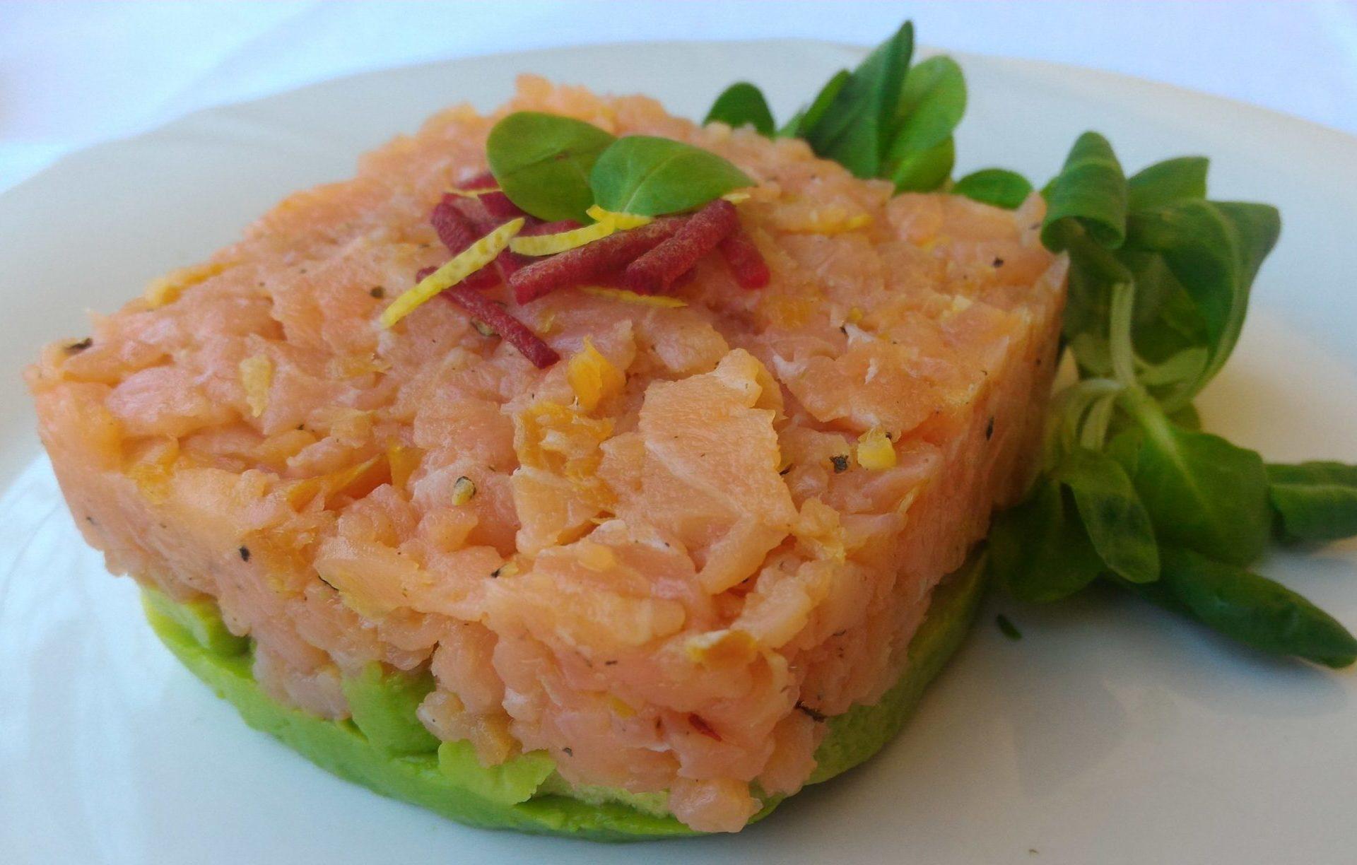 tartare di salmone affumicato e avocado