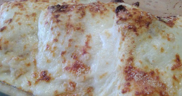crepes al forno con prosciutto cotto, asparagi e formaggio